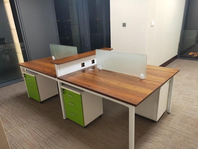 定制办公桌需要注意哪些方面?[智兴家具]