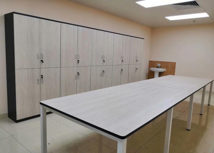 板式办公家具钻孔的类型与要求