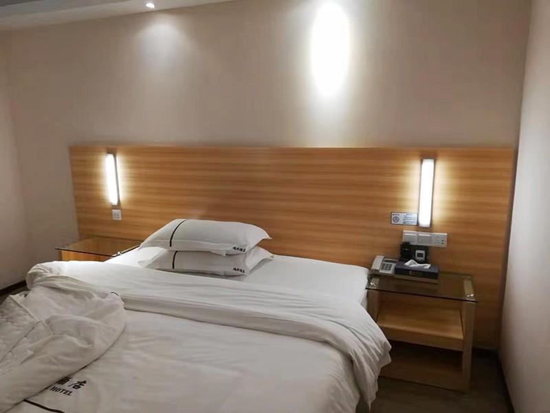 浅谈酒店家具保养方法及清洁家具的小技巧