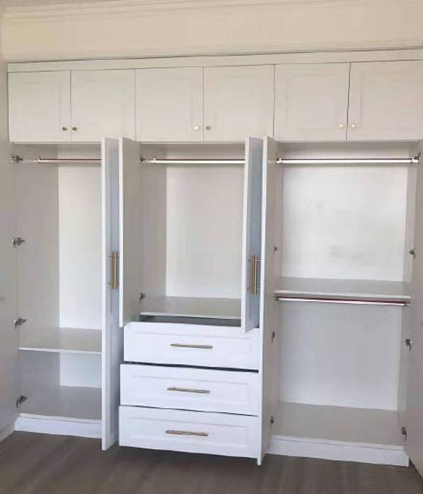 定制衣柜选哪种板材好?[智兴家具]