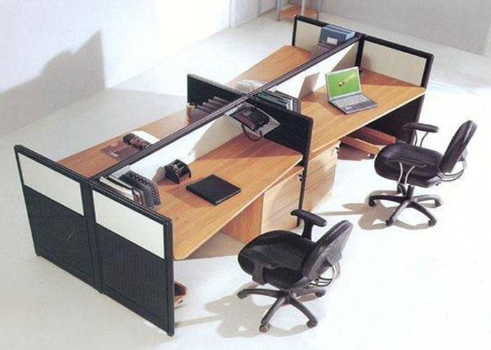 四人屏风办公桌