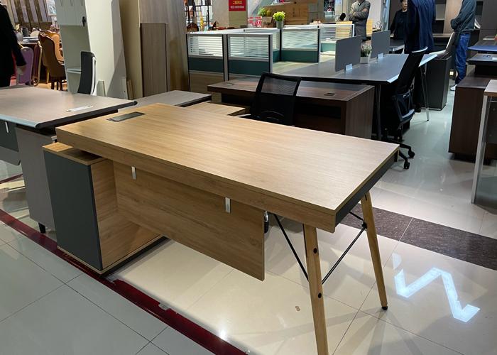 如何摆放办公家具是合适的?[智兴家具]
