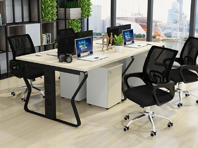 怎么挑选电脑办公桌呢?[智兴家具]