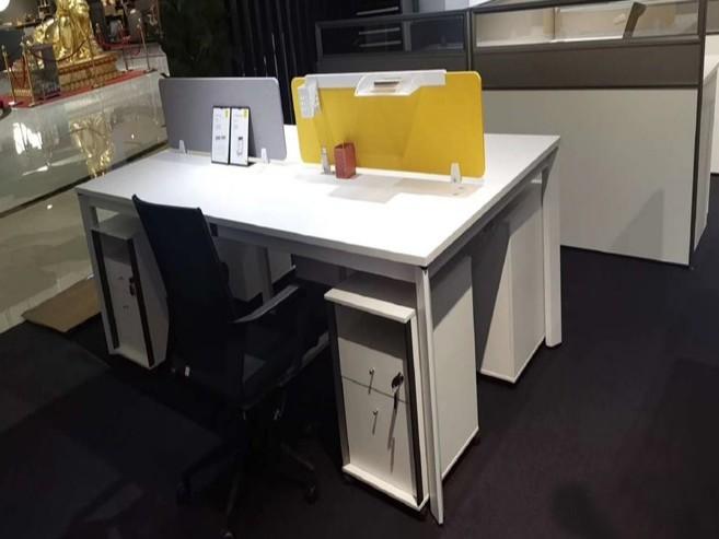 定制办公桌的标准尺寸是多少?[智兴家具]